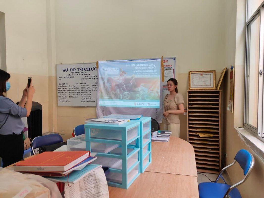 thuê máy chiếu giới thiệu sản phẩm tại bệnh viện Nhiệt Đới 1